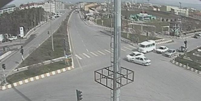 Muşta trafik kazaları MOBESE kameralarına yansıdı