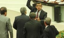 HDP'li Zozani AK Partili Canikli'nin üzerine yürüdü