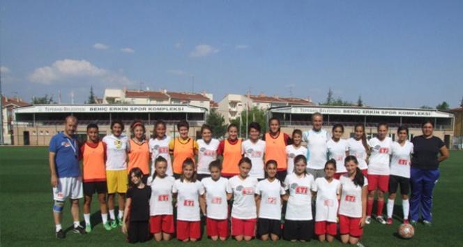 Eskişehirspor Kadın Futbol Takımı kadrosunu güçlendirdi