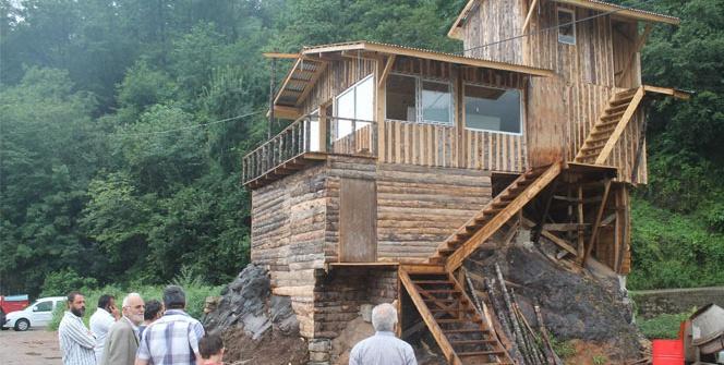Kayanın üzerinde restoran mı olur?