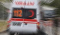 Ambulans ile otomobil çarpıştı: 2'si çocuk 10 yaralı