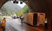 Karabük'te yolcu minibüsü devrildi: 22 yaralı