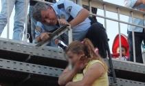 Ellerini kesti; polis ikna etti