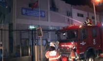 Kaçak göçmenler, emniyet binasını 2'inci kez yaktı