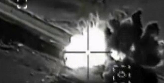 ABD uçakları Kobani'de IŞİD aracını böyle vurdu